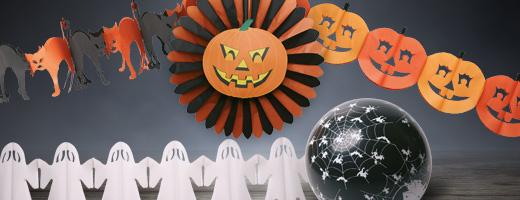 Schaurig schöne Halloween-Deko Am 31. Oktober wird es auch in Deutschland jedes Jahr gespenstisch. Spinnen und Fledermäuse dürfen bei der passenden Dekoration zu Halloween nicht fehlen. Mit unseren Artikeln wird es auch bei Ihnen schaurig schön.